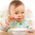 همه چیز درباره غذاهای کمکی نوزادان